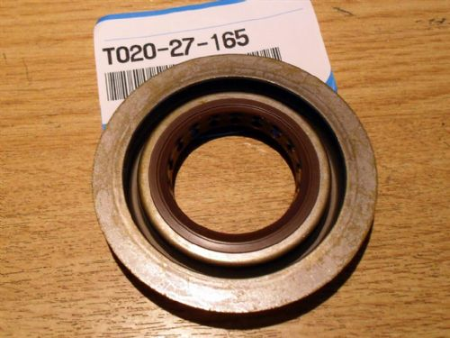 Oil seal, differential front, Mazda MX-5 1.6, 1989-93, T02027165